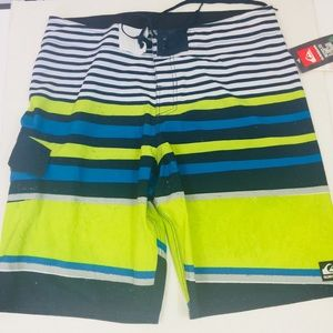 QuickSilver Board Shorts Size 36 Green, Blue, Whit